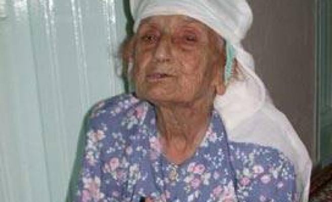 101 yaşındaki nine orucunu aksatmıyor!