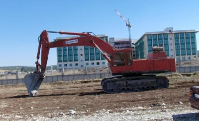 Bölge Hastanesi inşaatı yanında 'yapı gerginliği'