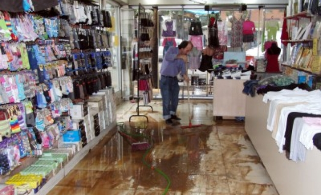 Aşırı yağışlar hayatı olumsuz etkiledi!...