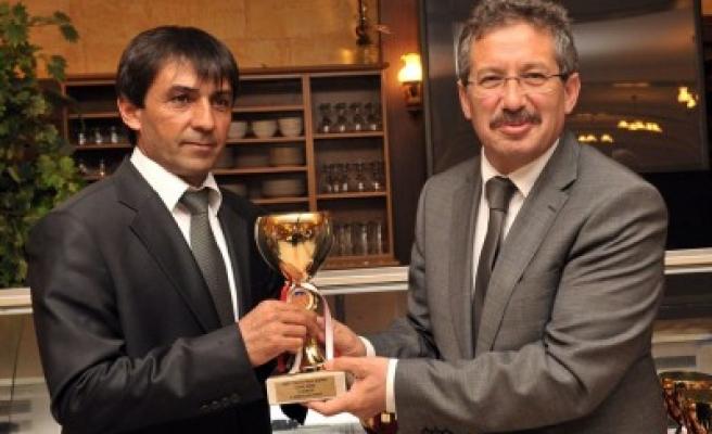Kahramanmaraş Belediyespor ödülleri topladı..