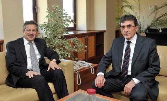AK Partili vekillerden yeni rektöre ziyaret'