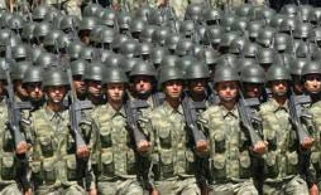 Hükümetin askerlik tasarısı meclis aşamasında..