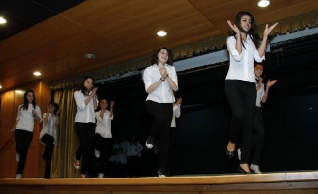 Süha Erler Anadolu Lisesi AB'li misafirlerini ağırladı..