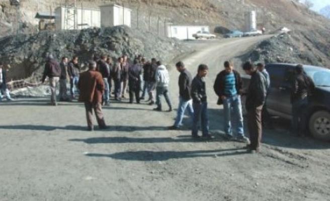 Yeniköy halkı, tünel çalışmalarını durdurdu!