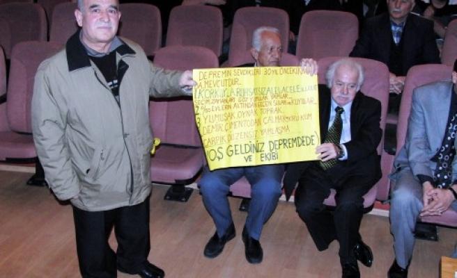Deprem Dede Kahramanmaraş'ta konferans verdi...