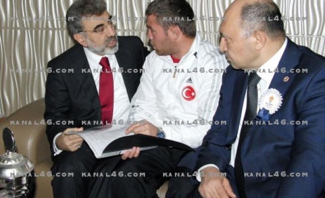 FLAŞ: AK Parti kongresinde hareketli anlar!..