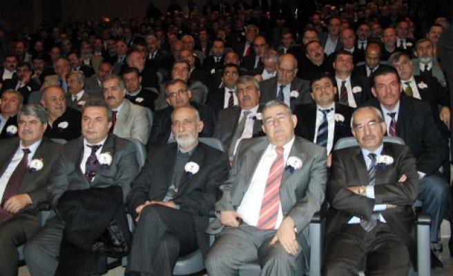 Bakan Yıldız AK Parti'nin kongresine katıldı…