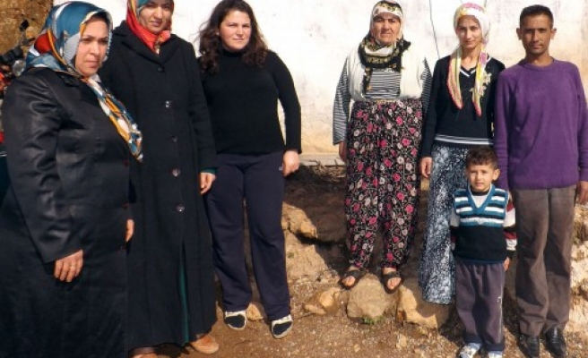 AK Partili kadınların köy ziyareti..