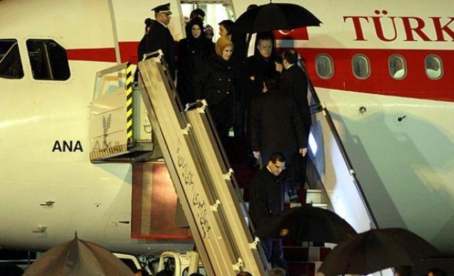 Başbakan Erdoğan İran'da askeri törenle karşılandı