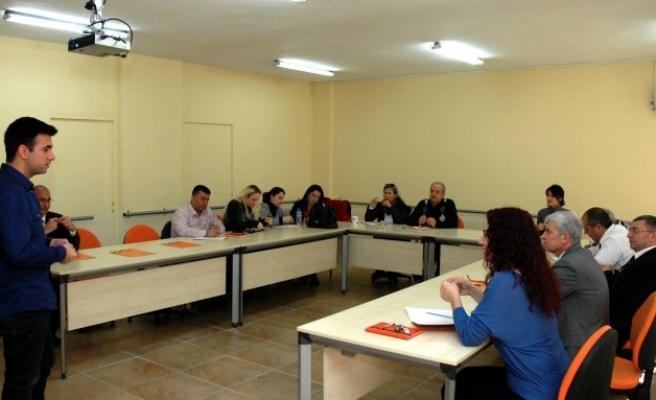Akademisyenlere işaret dili eğitimi