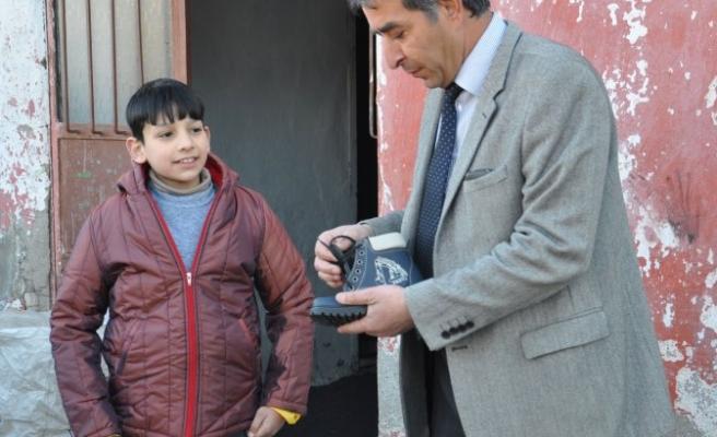 Suriyeli ailelere yardımlar devam ediyor