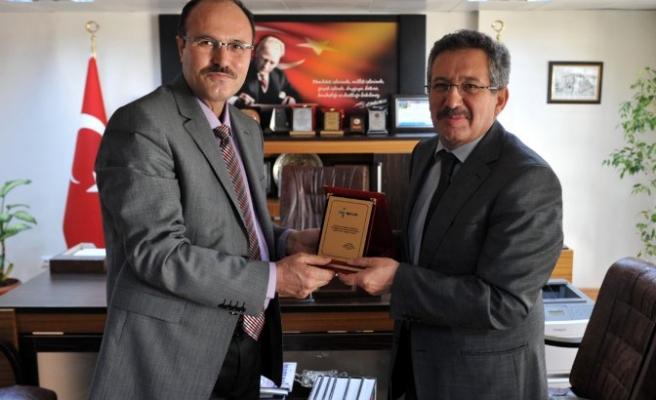 Başkan Poyraz, kurumlara veda ediyor