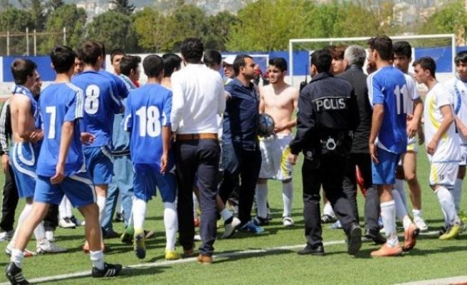 U-17 Türkiye Şampiyonası maçında arbede