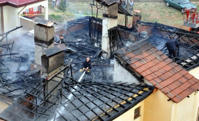 Elbistan'da ev yangını