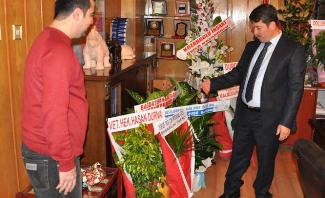 Başkandan tebrik çiçekleriyle eğitim desteği