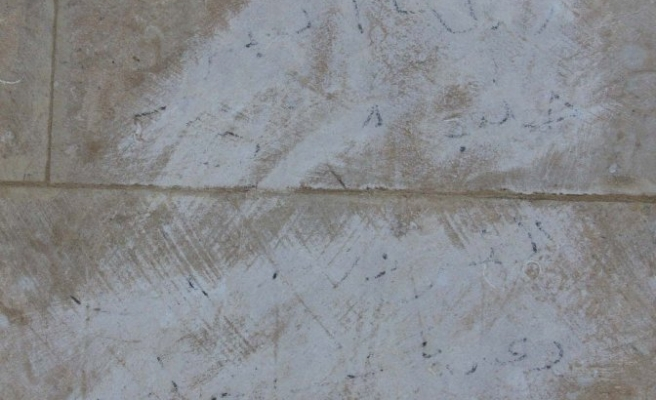 Anıtta Esrarengiz Yazı