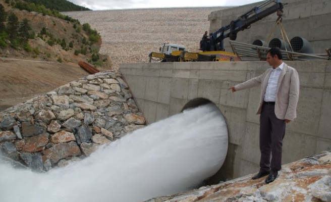 Adatepe Barajı, çiftçinin umudu oldu