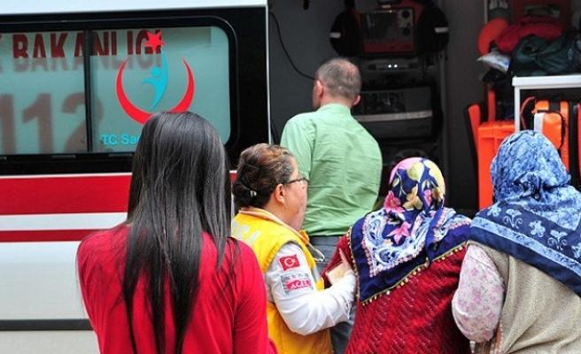 Deprem 40 saniye sürdü 266 kişi yaralandı