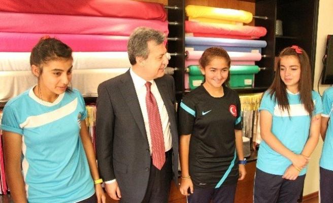 Genç Kızların Hedefi Şampiyonluk