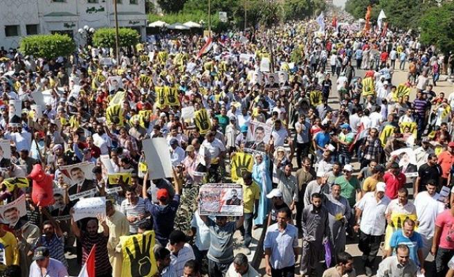 Mısır'da darbe karşıtları açlık grevine başladı