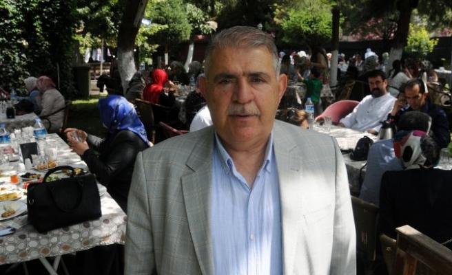 AK Parti Kadın Kolları seçim başarısını kutladı