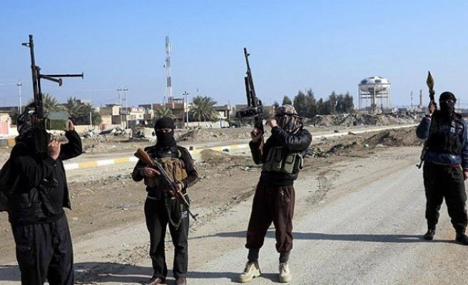 IŞİD Tikrit'in kontrolünü ele geçirdi
