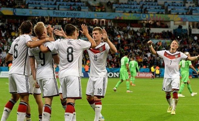 Almanya, adını çeyrek finale yazdırdı