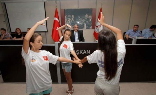 Şampiyonlardan Türkçe ve Ermenice 'Sarı Gelin'!