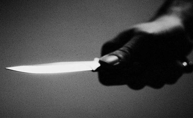 19 yaşındaki genç 8 yerinden bıçaklandı!