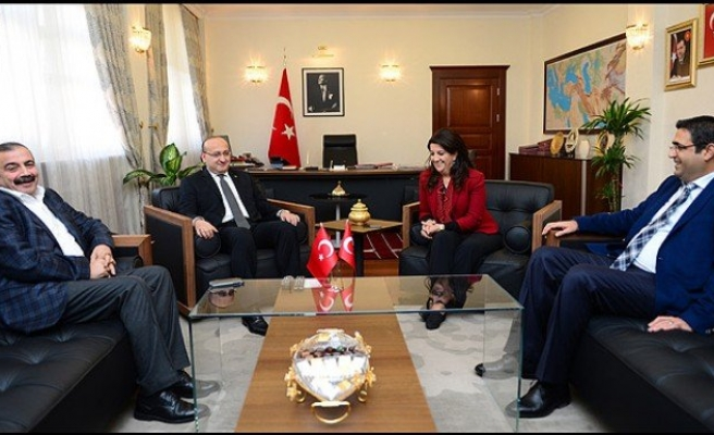 Akdoğan HDP heyetini kabul etti