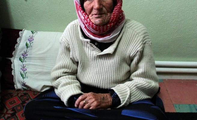 Kobani'den kaçan Suriyelilere dost eli