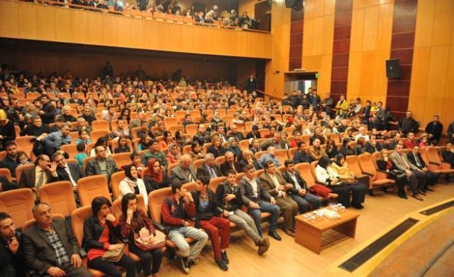 Büyükşehir Belediyesi'nden Türküler…
