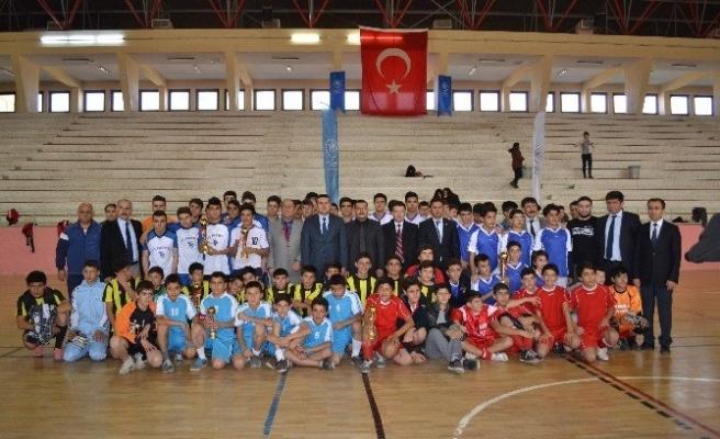 Futsal Turnuvasında Kupalar Sahiplerini Buldu