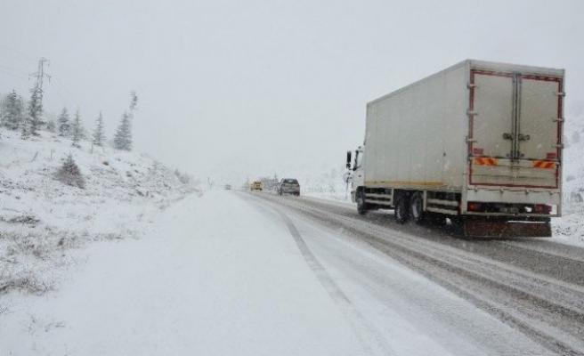 Kahramanmaraş'ta şiddetli kar yağışı