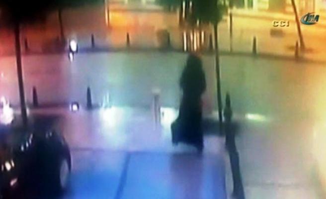 Canlı bombanın saldırı anı güvenlik kamerasında