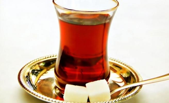 Çay içerken de demlerken de bunlara dikkat!
