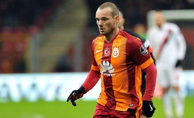 Sneijder gidecek mi?!