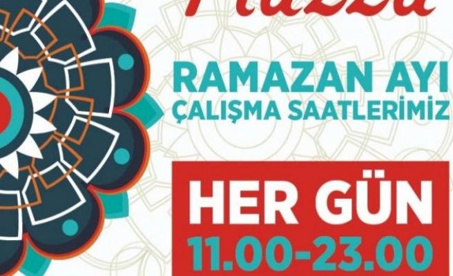 Piazza'larda Ramazan saati ayarı