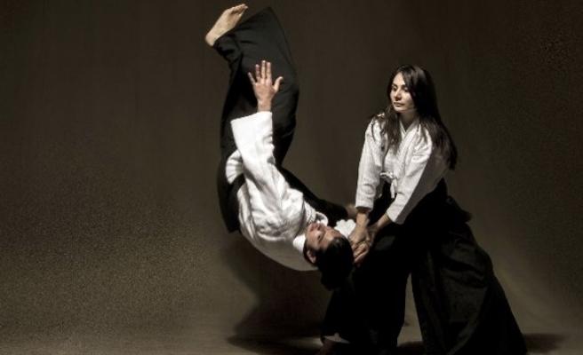 Erkekler dikkat: Aikido ile geliyorlar!