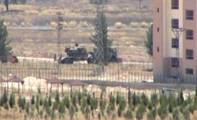 Tanklar Kobani sınırında!