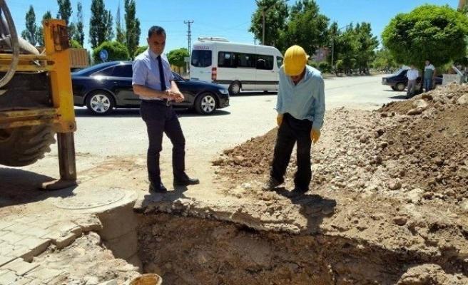 Nurhak'ta Kanalizasyon Çalışmaları Devam Ediyor