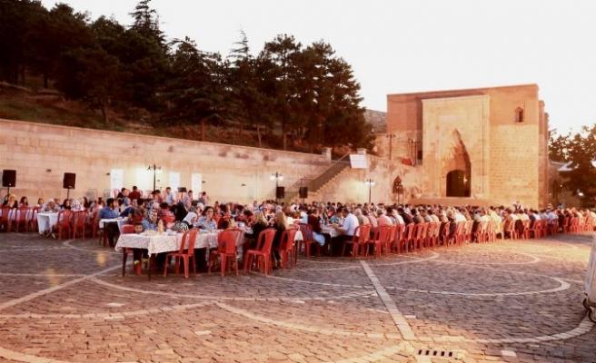 Eshab-ı Kehf'te Dünya Mirasları Sergisi Açıldı