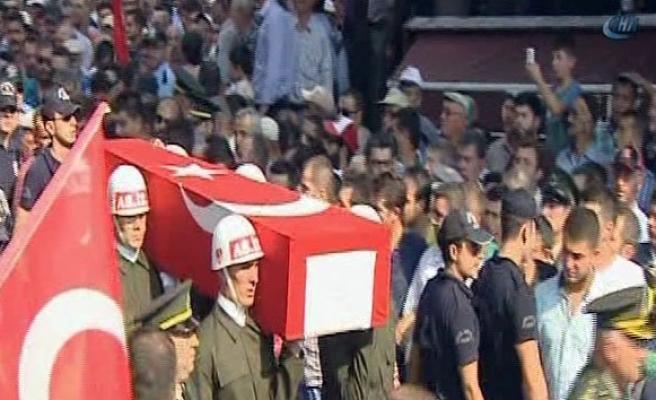 Şehit askerin cenazesinde gözyaşları sel oldu!