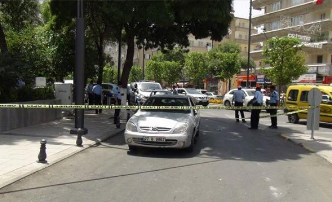 Yol verme kavgası: 2'si polis 10 yaralı!