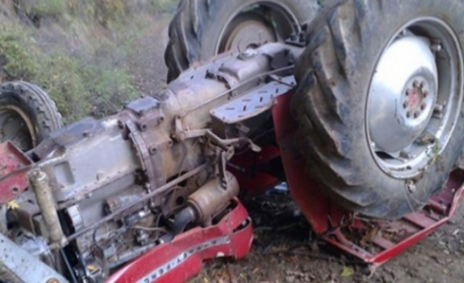 Traktör Devrildi: 2 Yaralı!