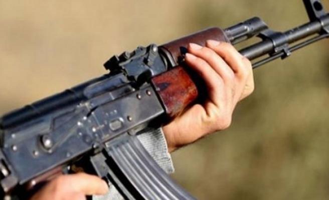 Diyarbakır'da karakola saldırı: 1 asker yaralı!