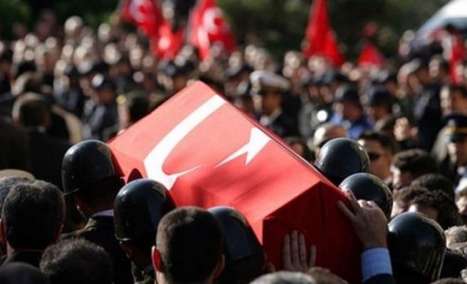 Diyarbakır'da askere bombalı saldırı: 1 şehit, 3 yaralı!