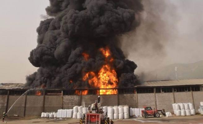 Köpük fabrikasında yangın!
