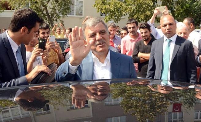 Abdullah Gül'e vatandaşlar yoğun ilgi gösterdi!