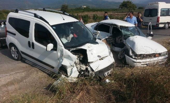 Hatay'da Trafik Kazası: 2 Yaralı!
